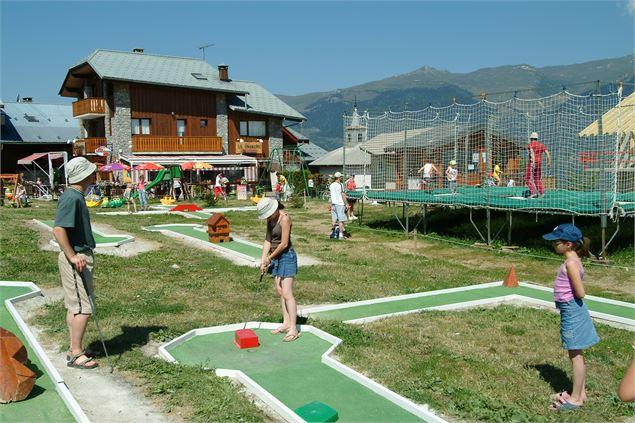 Mini golf plagne montalbert - Office du tourisme la plagne montalbert ...