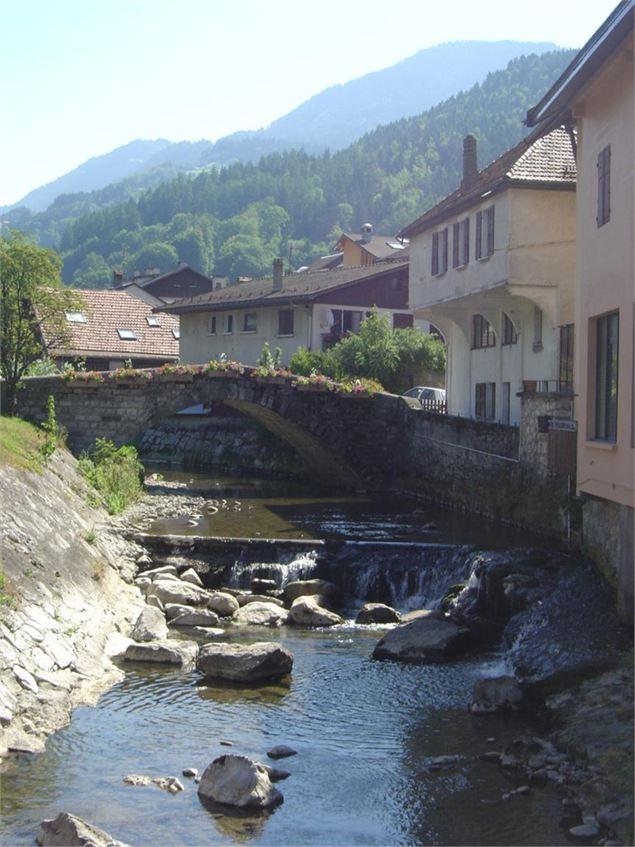 Au vieux pont th nes - Entremont le vieux office de tourisme ...