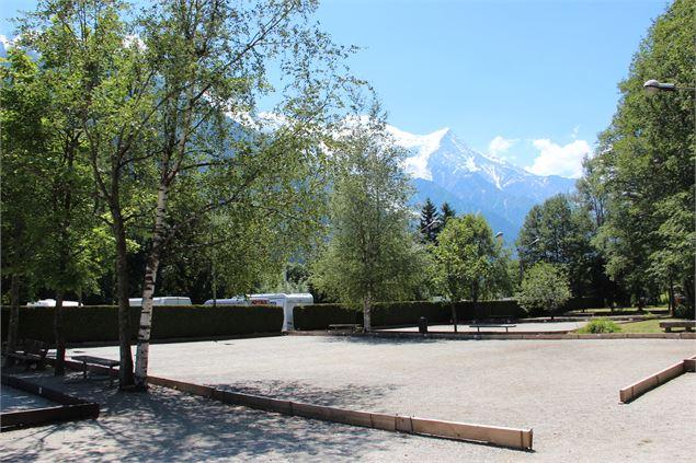 Terrains de p tanque de chamonix chamonix mont blanc for Dimension terrain de petanque officiel